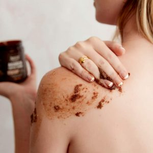 arabica-coffee-scrub-dead-sea-salt-amire-cosmetics